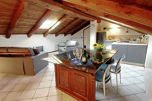La mansarda uno spazio intimo ed accogliente il blog di for Arredamenti case bellissime