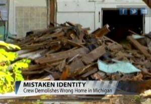 Cambia il numero civico con quello del vicino e il Comune demolisce la casa sbagliata