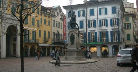 Piazza Varese