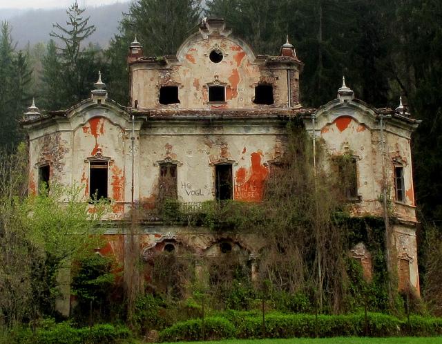 Ben noto casa più infestata d'Italia TA64