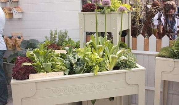 La top 10 delle decorazioni dei balconi - Creare un giardino sul balcone ...