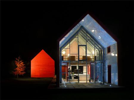 Sliding House: la casa scorrevole che cambia con le stagioni