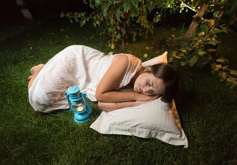 Trucchi per dormire bene e non soffrire il caldo senza condizionatore