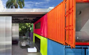 Case imponenti costruite con dei contenitori
