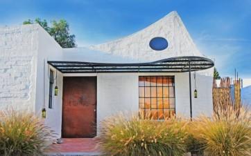 Un'architettura diversa è possibile: Casa Clemente e la visione di Juan Carlos Loyo