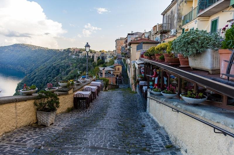 Vivere in provincia i castelli romani for Affitto castello roma