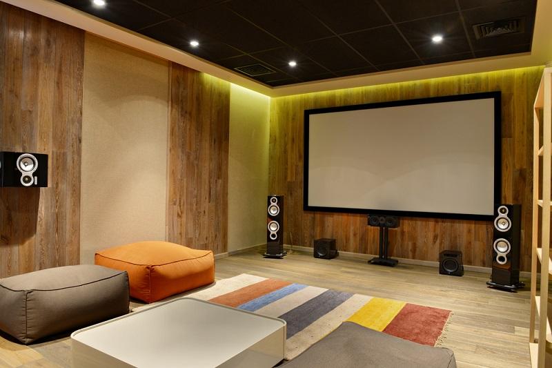 Come creare un cinema in casa - Sala cinema in casa ...