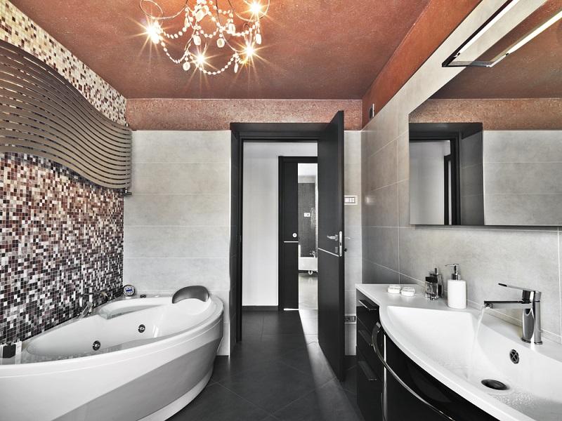 Il mosaico la soluzione piú apprezzata per il bagno