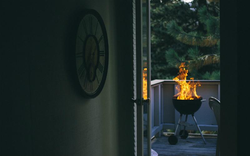 Tempi di barbecue, usarlo in condominio e vivere felici si puó
