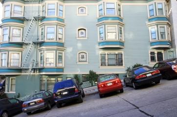 Il parcheggio selvaggio in condominio potrebbe mandarti in carcere
